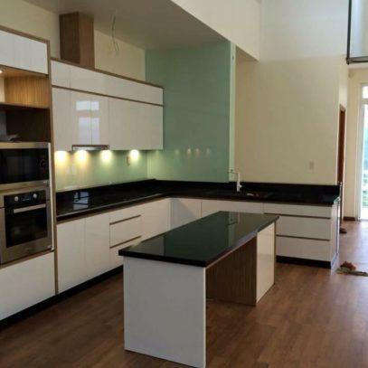 Mẫu tủ bếp chung cư 3