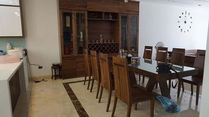 bộ bàn ghế nhà bếp đóng bằng gỗ óc chó