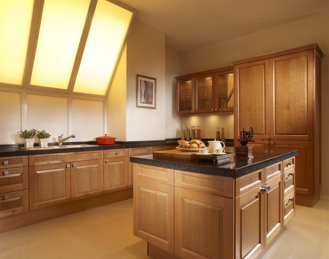 Tủ bếp gỗ sồi tự nhiên mang vẻ đẹp hiện đại và tinh tế