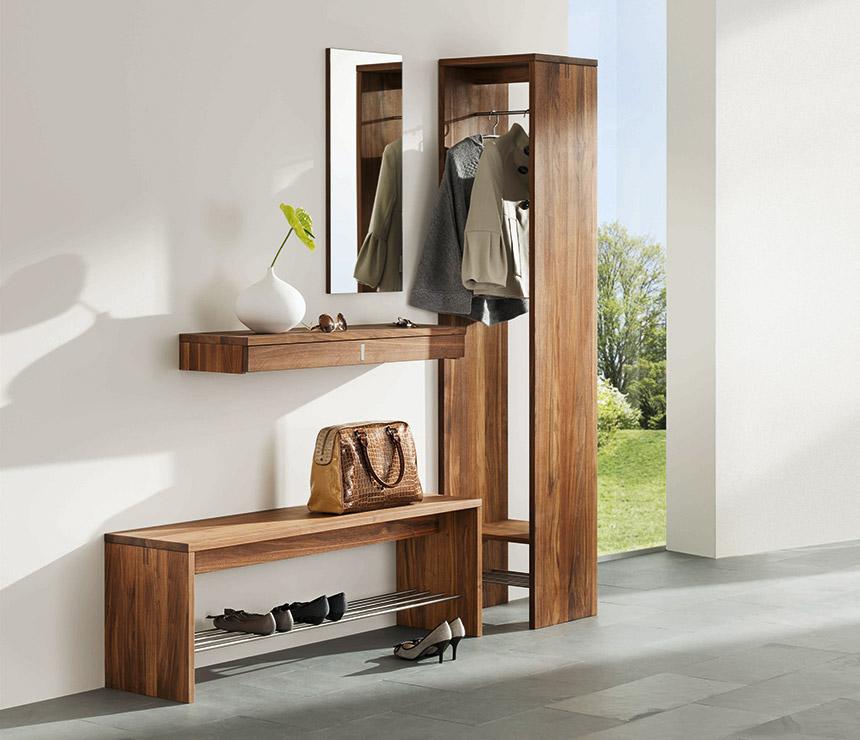 Tủ giày dép gỗ óc chó kết hợp với tủ treo áo khoác.
