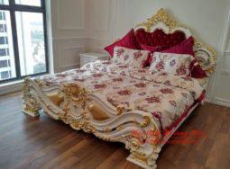Bộ giường ngủ phong cách nội thất tân cổ điển dát vàng tại Hà Nội