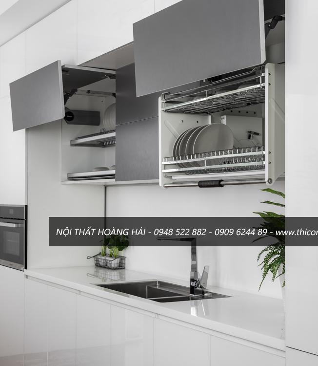 Mẫu tủ bếp acrylic màu trắng