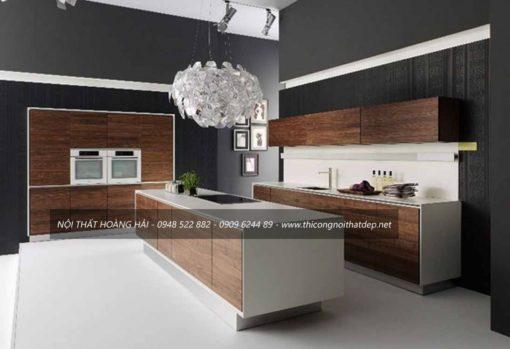 Tủ bếp Laminate sang trọng cho chung cư cao cấp có bàn đảo