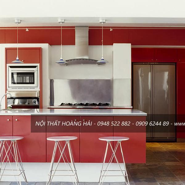 Tủ bếp gỗ Veneer màu nâu đỏ độc đáo