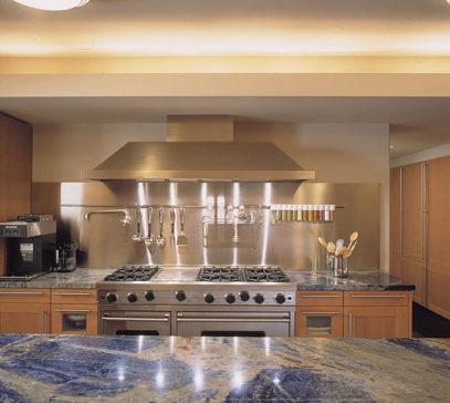 Tủ bếp inox cao cấp được nhiều người ưa chuộng