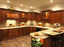 Mẫu thiết kế tủ bếp gỗ gõ đỏ tân cổ điển cực đẹp
