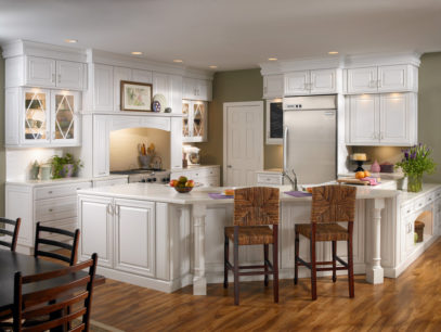 Mẫu tủ bếp gỗ sồi Nga chữ G màu trắng