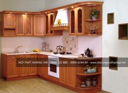 Mẫu tủ bếp gỗ xoan đào nhỏ gọn dáng chữ L