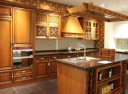 Mẫu tủ bếp gỗ sồi Mỹ phong cách Châu Âu