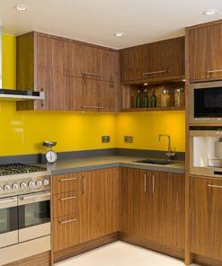 Thiết kế tủ bếp gỗ óc chó phong cách hiện đại