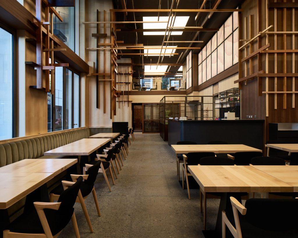 Mẫu thiết kế nội thất nhà hàng bằng gỗ mang phong cách Nhật Bản